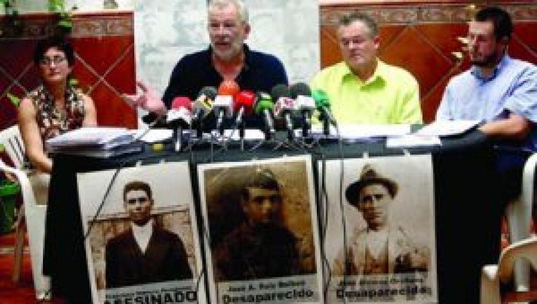 La AMHyJA y CGT remiten al juez Garzón un listado con más de 20.000 nombres de fusilados en el franquismo.