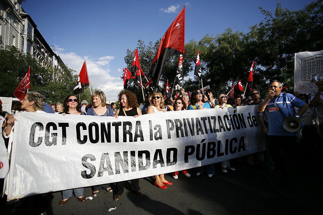 Más de mil personas se manifestaron en Madrid contra la privatización de la sanidad pública