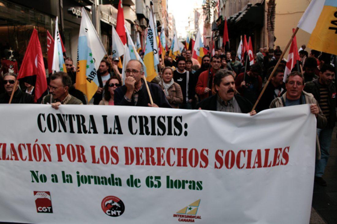 Manifestación en Tenerife: «Queremos vivir con dignidad, no como esclavos»