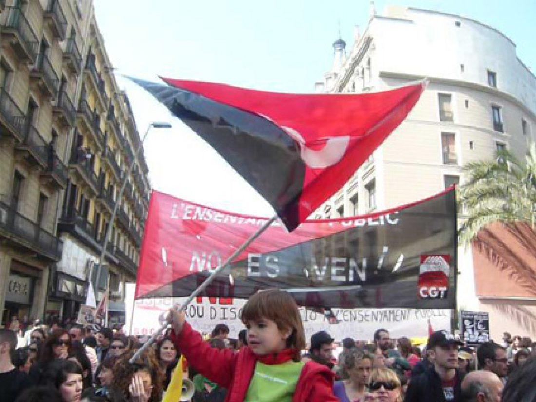 Rotunda respuesta de la Enseñanza a la Ley de Educación que pretende impulsar el gobierno de Catalunya