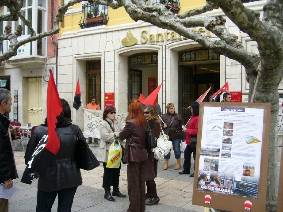 Acción de CGT Burgos: «Banqueros: que la crisis la pague quien la provoca»