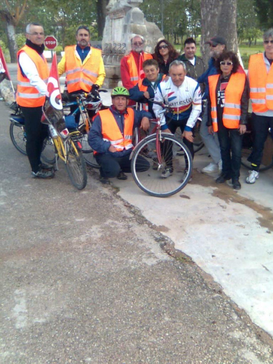 La marcha ciclista valenciana contra la crisis lleva recorridos 300 kilómetros