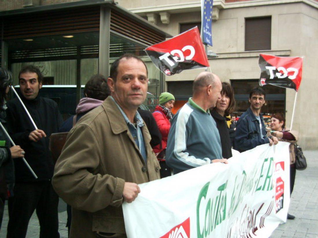 Pamplona: Concentración de CGT contra los recortes sociales (13/5/10)