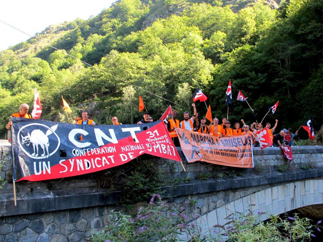 La CNT-F recibe la Marcha a Bruselas a su llegada a territorio francés