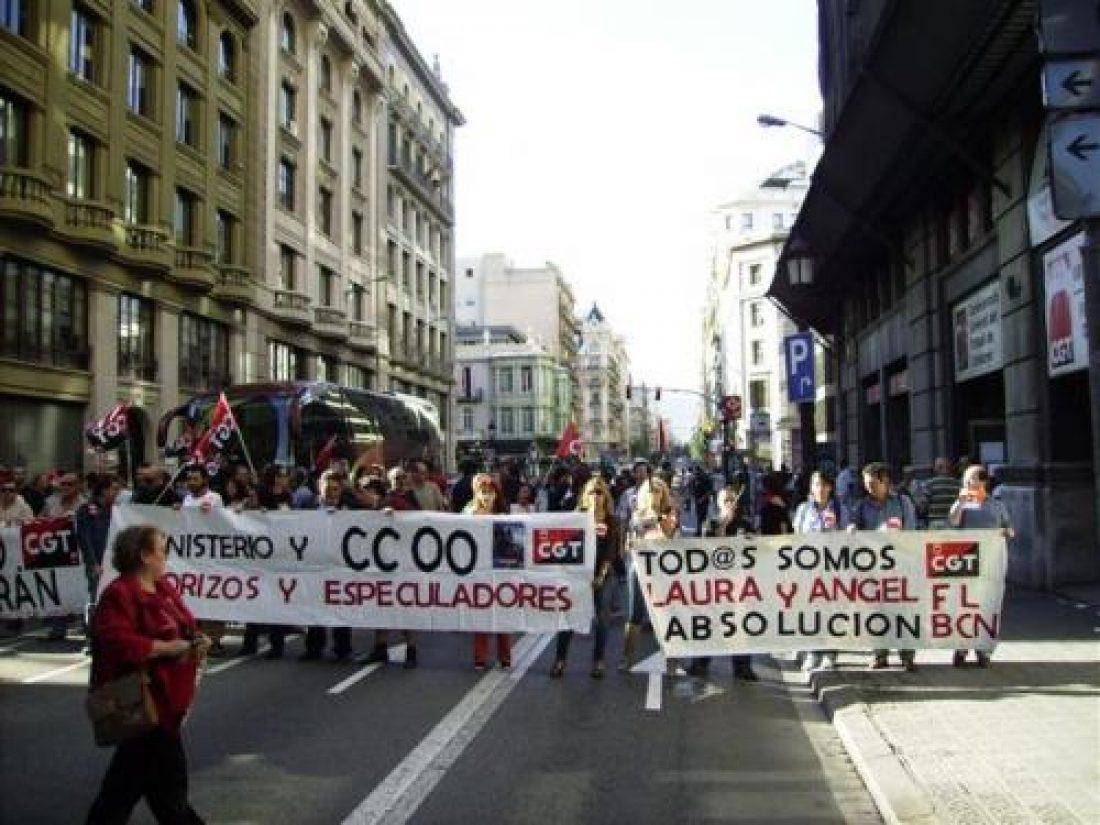 Barcelona:  Más de 100 compañeras y compañeros se solidarizan con Ángel y Laura (5/10/10)