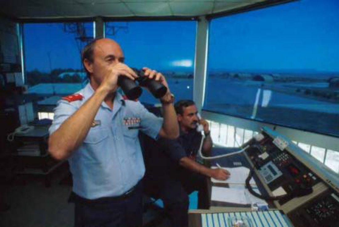 El Ministro Blanco provoca el caos en el espacio aéreo español