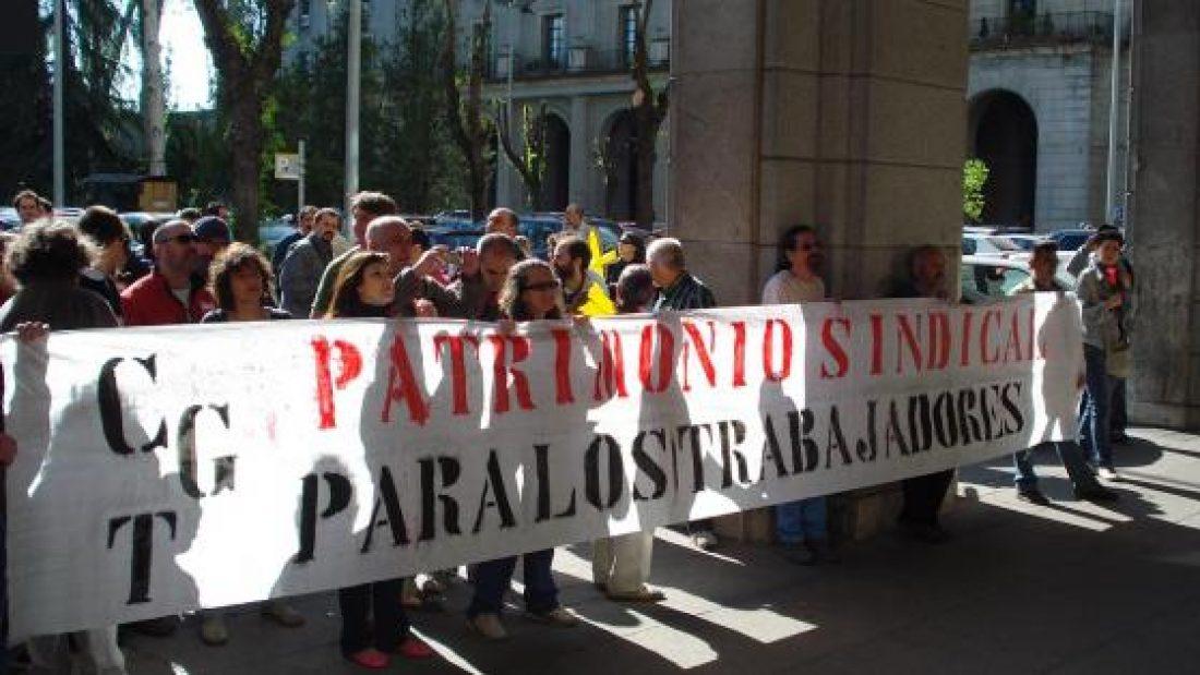 Madrid: Concentración de CGT-MCLMEx ante el Mº de Trabajo en defensa del patrimonio sindical (12.4.2011)