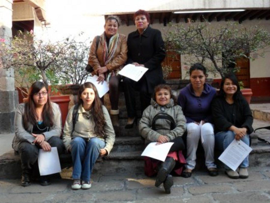 Mujeres de Atenco : una ruda piedra en el camino hacía el estrellato de Peña Nieto