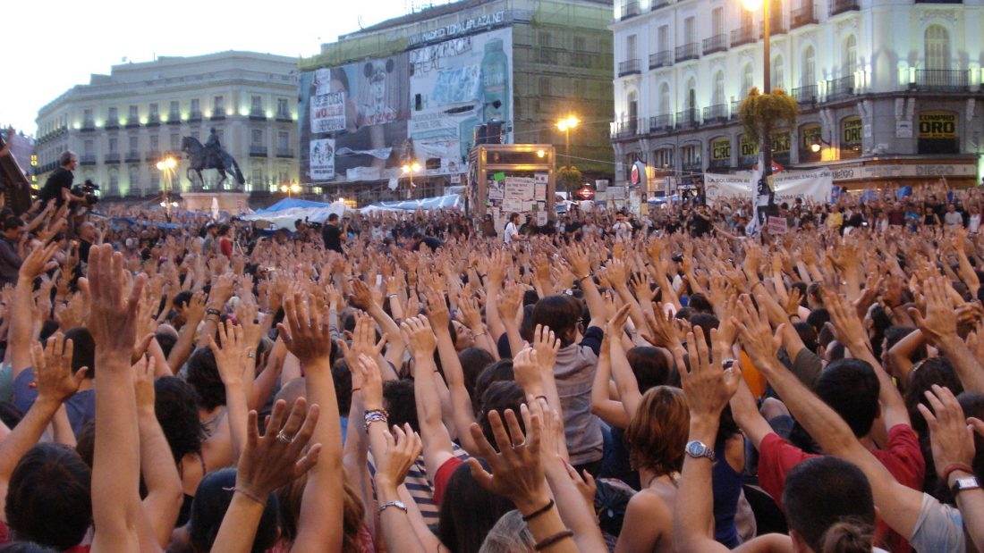 Celebración multitudinaria del aniversario del 15M madrileño en la Puerta del Sol