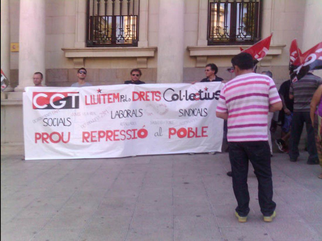 CGT-Castellón se moviliza en protesta por la represión y envía una  carta al ministro del Interior exigiéndole el cese del acoso policial  a los movimientos sindical y social