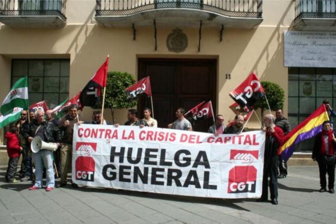 """""""Ocupa el ayuntamiento de Málaga"""", acto dentro de la campaña de CGT, un verano rojinegro en Málaga, contra los atropellos del gobierno"""