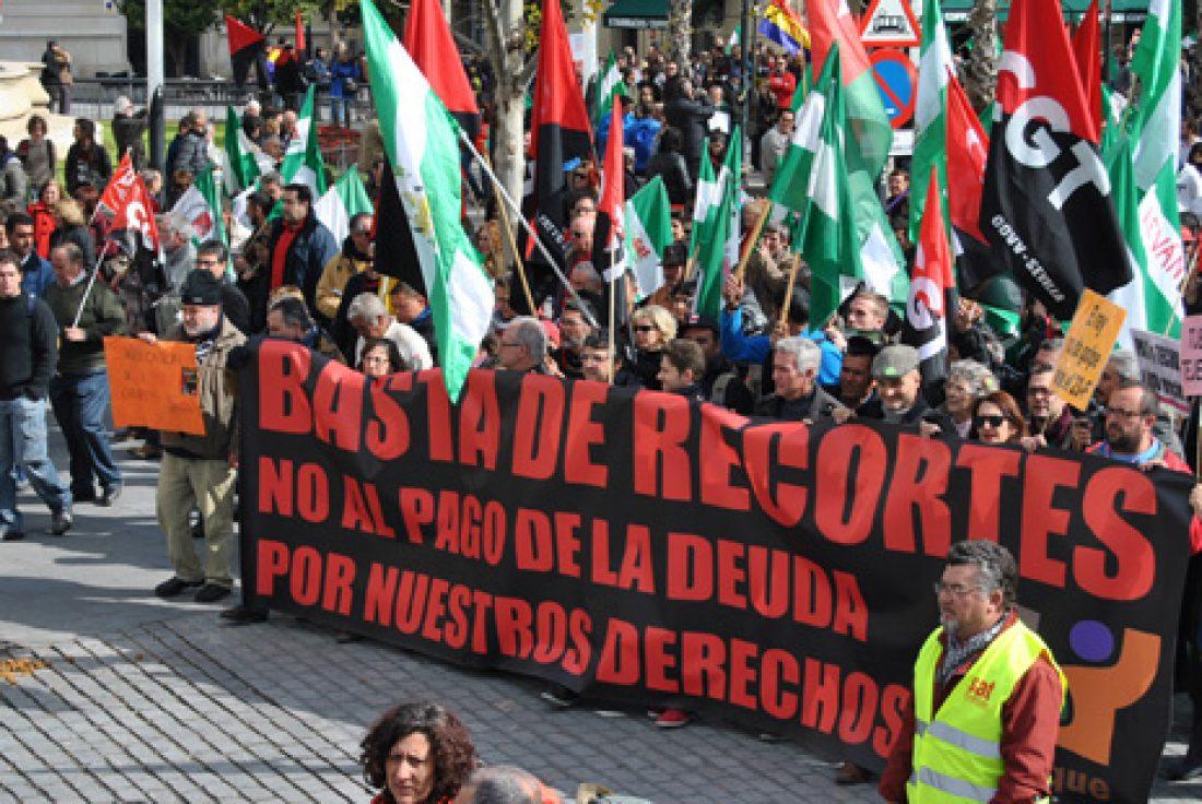 Miles de andaluces y andaluzas celebran en las calles un 28F reivindicativo contra el paro y los recortes