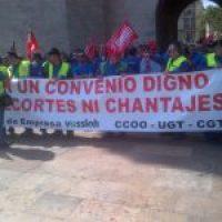 Los trabajadores de Vossloh han marchado hoy hasta la Generalitat valenciana contra los recortes que pretende imponer la multinacional