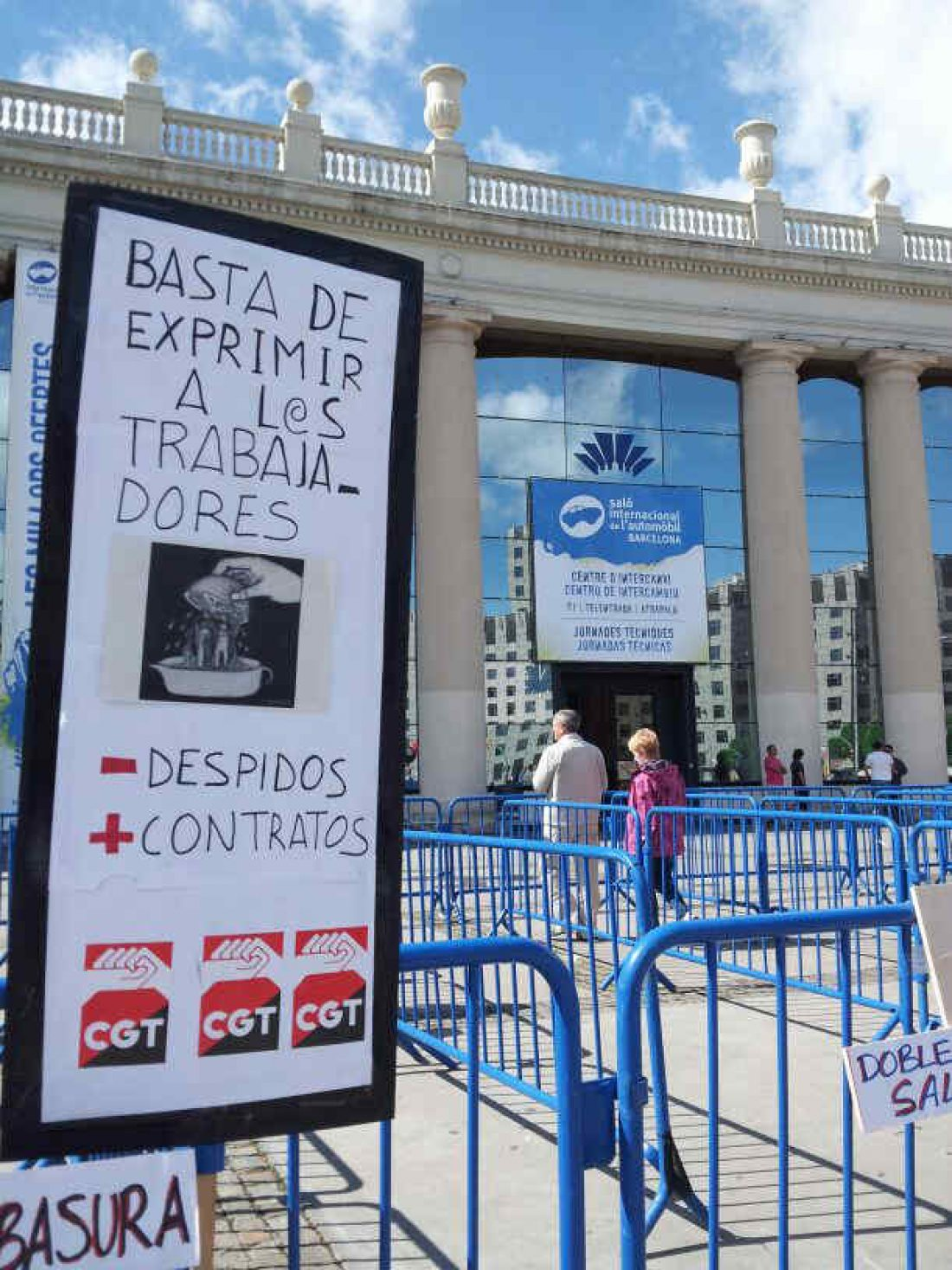 Acciones de protesta de CGT Metal en el Salón del Automovil de Barcelona el viernes y sábado