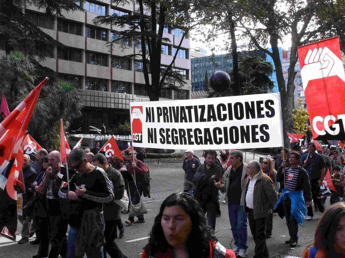 Jornada de lucha por un ferrocarril público y contra la privatizacion. Viernes 17 de mayo en el vestíbulo de Sants-Estació a las 13 y a las 18 horas, Barcelona