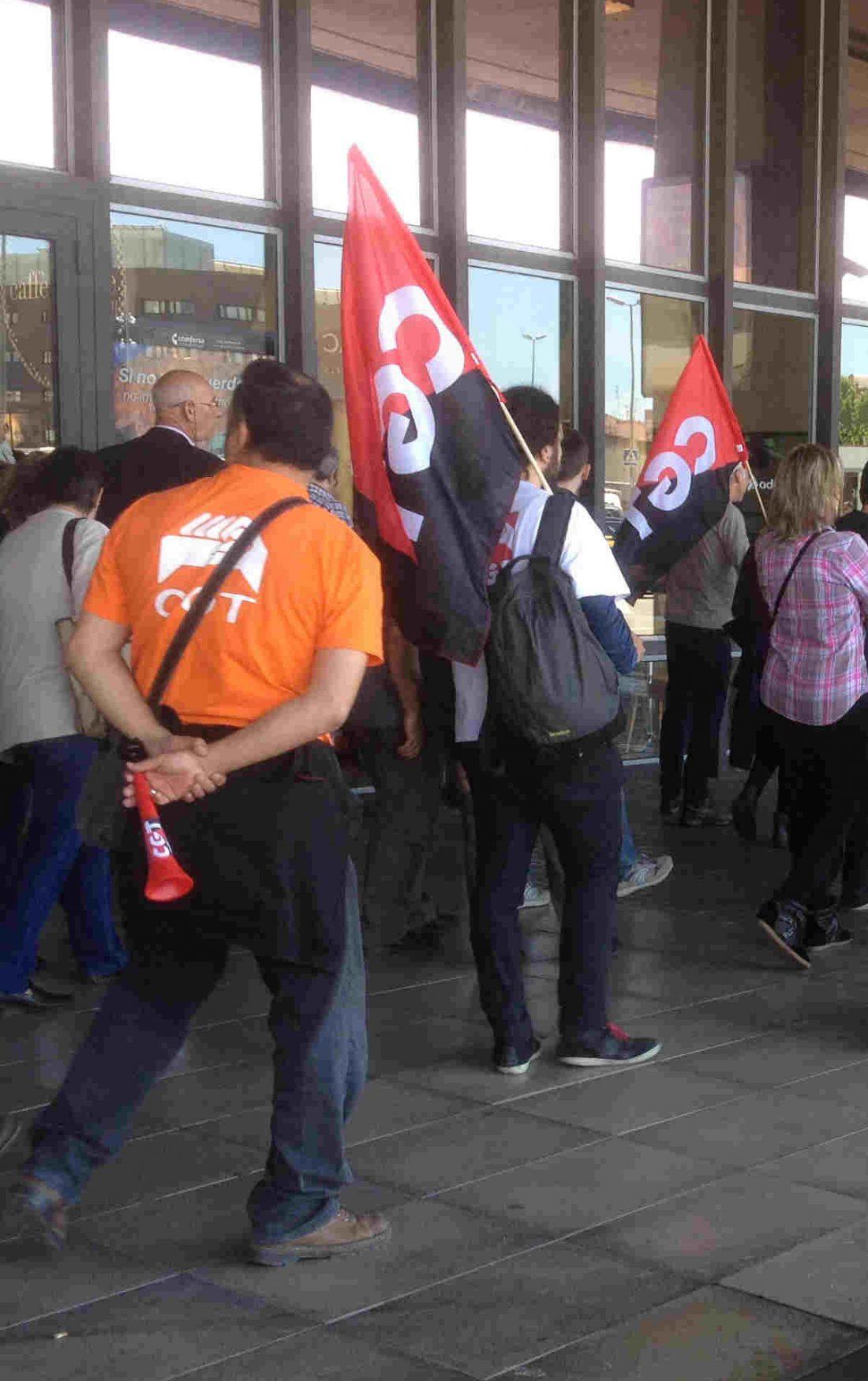 Jornada de lucha por un ferrocarril público y contra la privatización el viernes 17 de mayo en la Estación de Sants, Barcelona