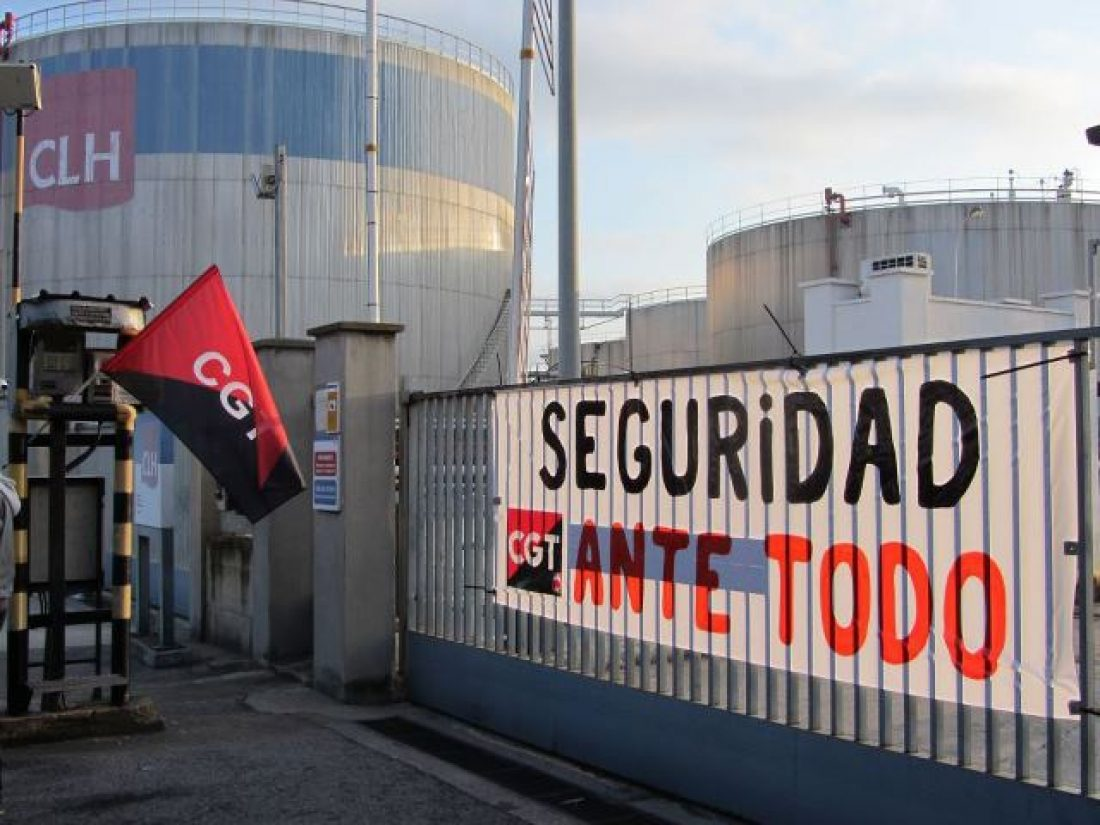 Protestas de trabajadorxs en la junta de accionistas de CLH