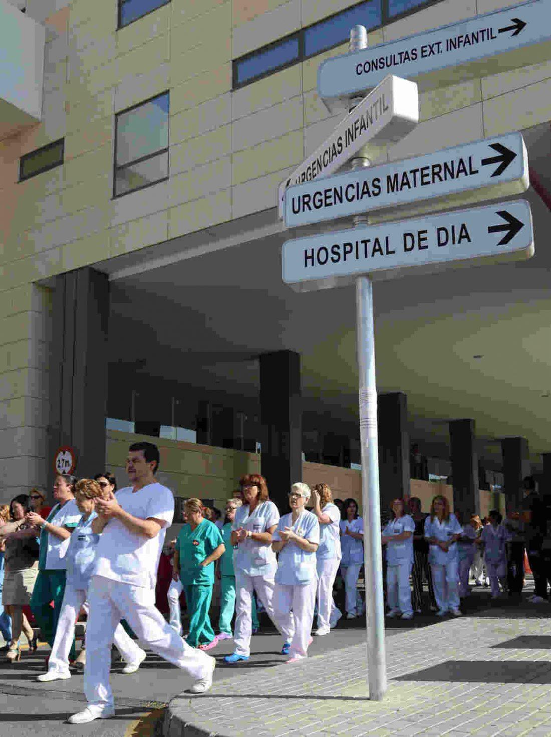 Huelga en el servicio de limpieza del Hospital de la Arrixaca (Murcia)