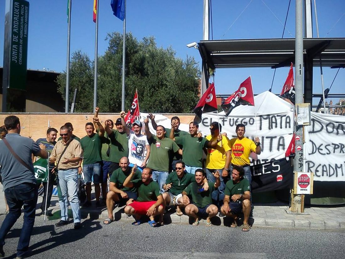 Los bomberos del INFOCA aplazan la huelga de hambre