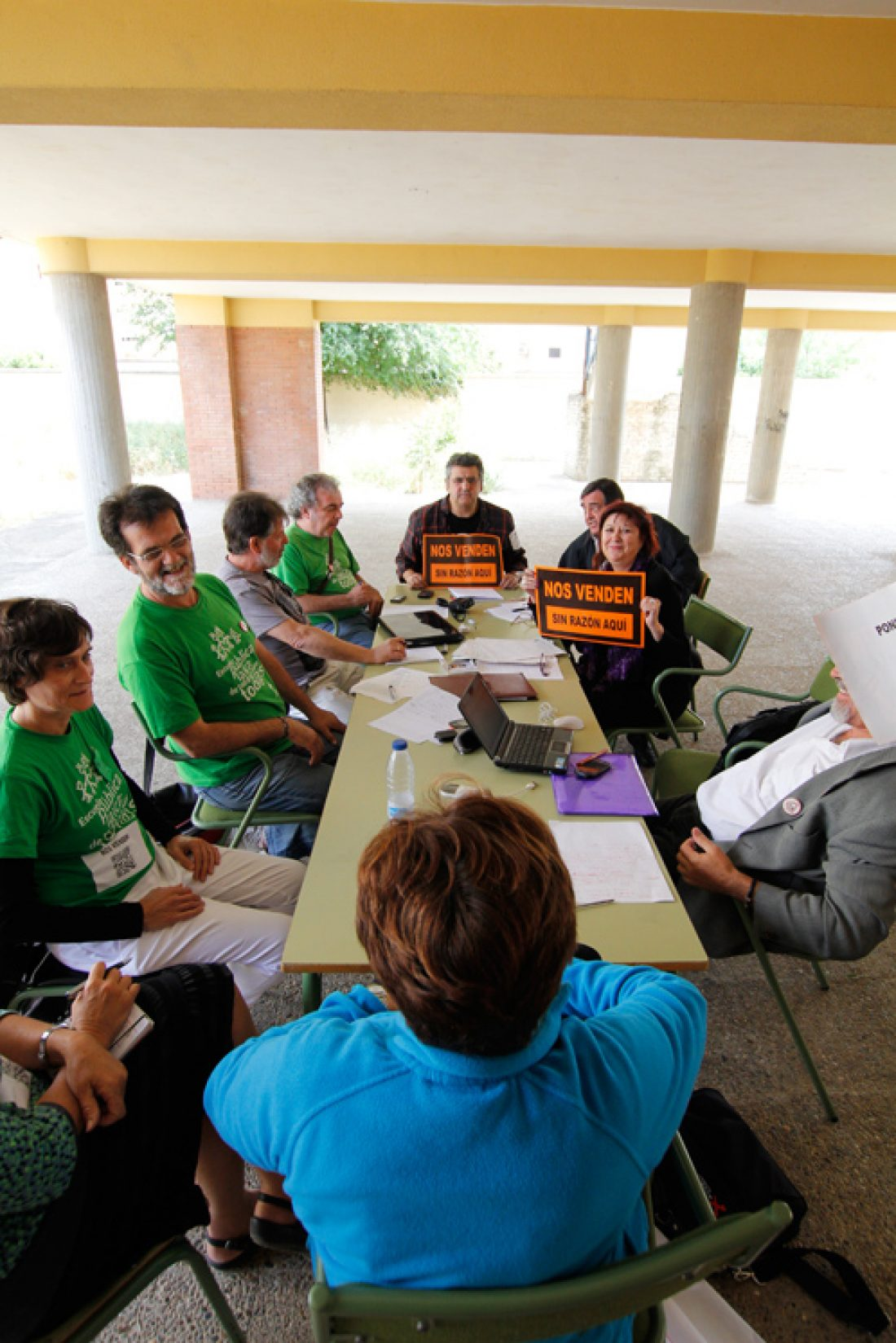 CGT apoya la acampada del profesorado interino ante el parlamento andaluz en defensa de la educación pública