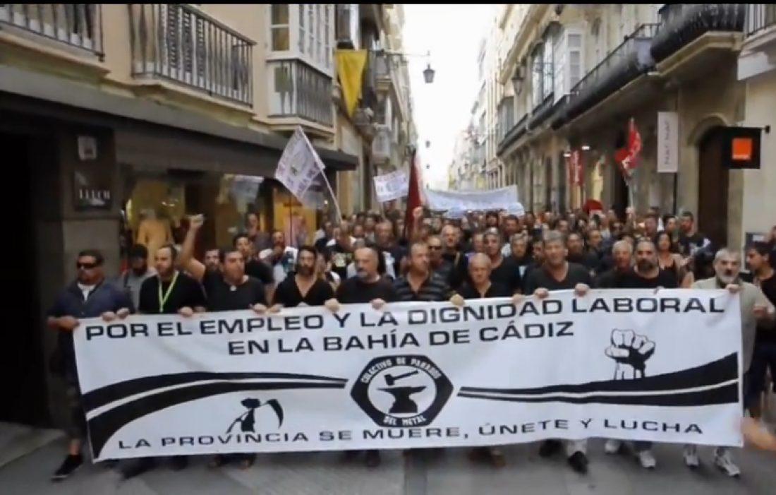 Más de 5.000 personas se manifiestan en Cádiz por el empleo y la dignidad laboral en la Bahía