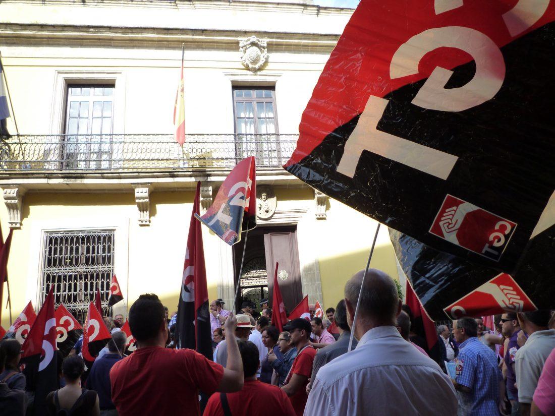 La plantilla del Ayuntamiento de Jerez respalda en asamblea el acuerdo del convenio colectivo