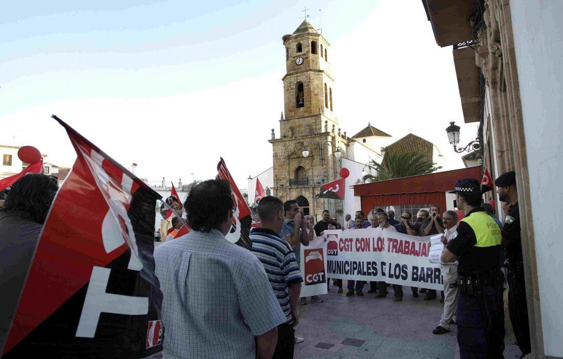 La sección sindical de CGT del ayuntamiento de Los Barrios denuncia al consistorio por riesgos laborales.