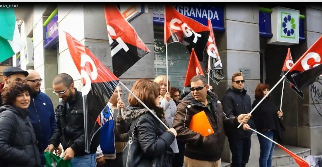 CGT y SAT okupan la Seguridad Social y el banco de Santander en Granada