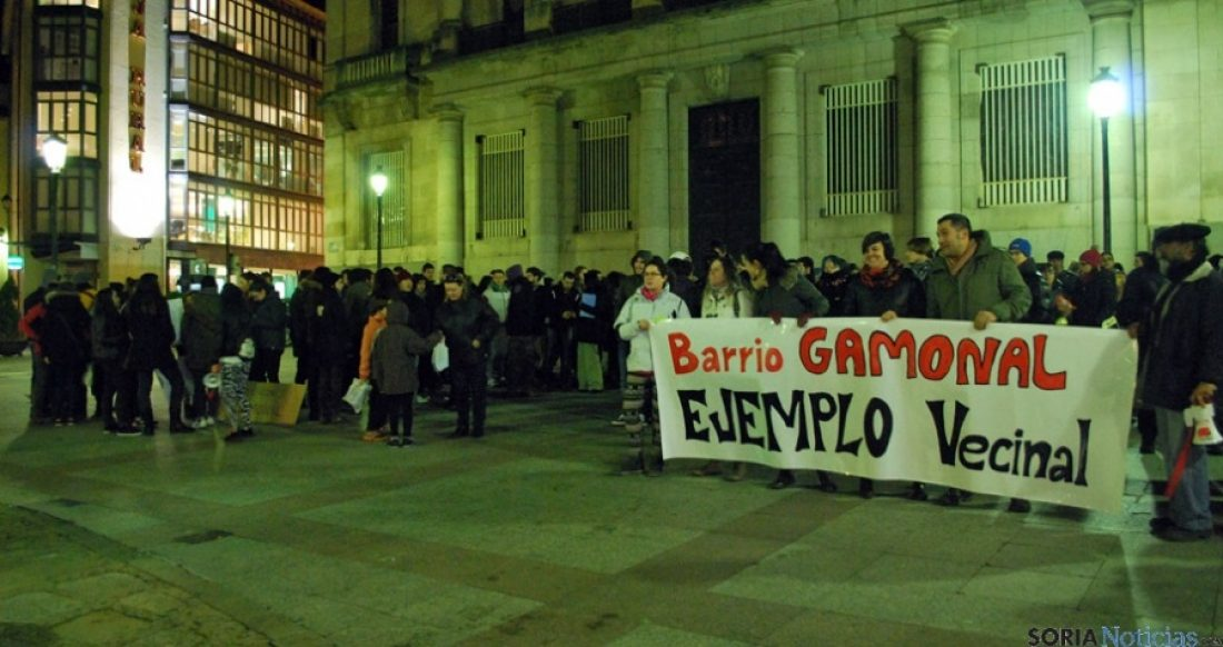 La movilización popular paraliza definitivamente el bulevar de Gamonal