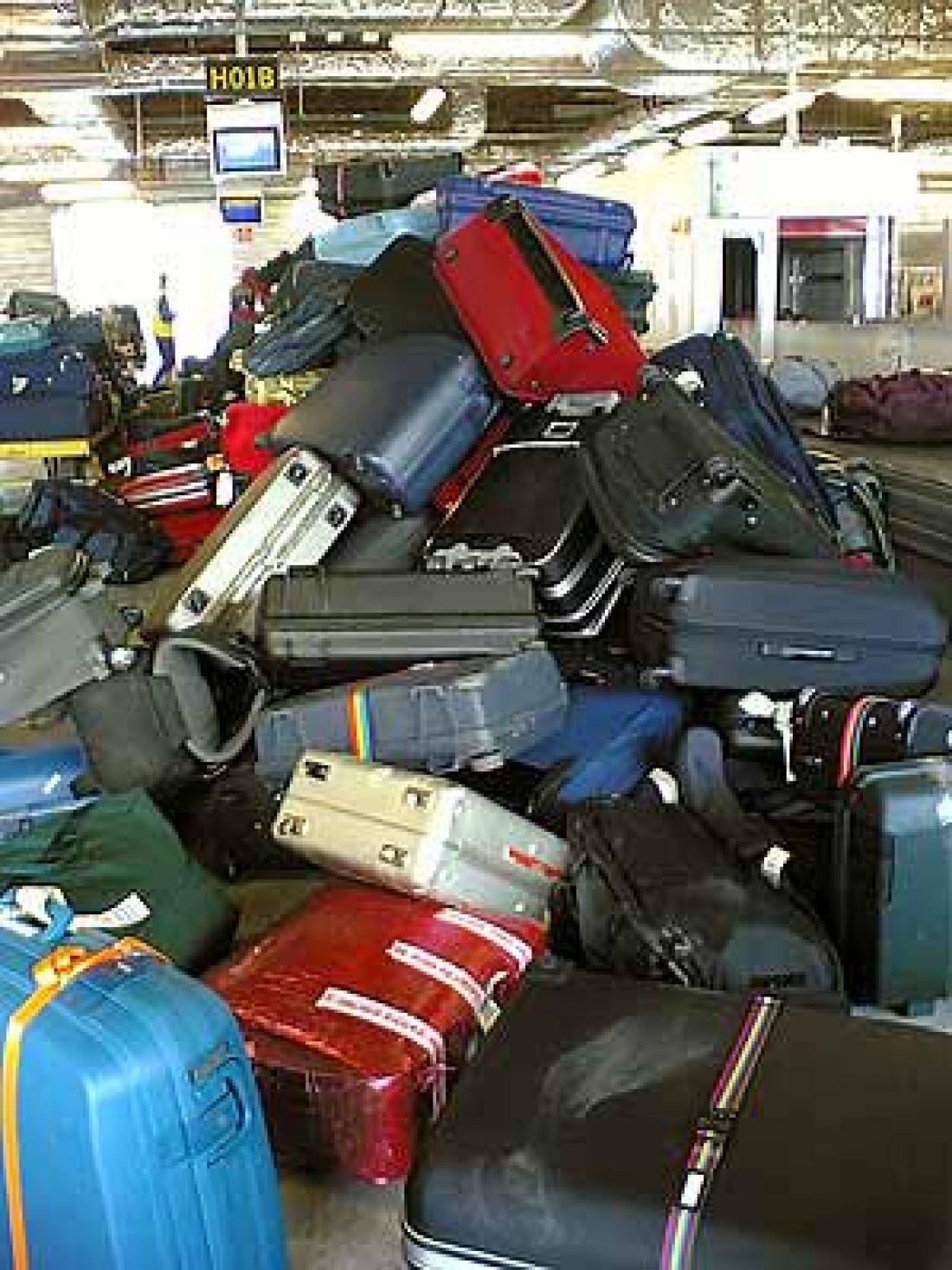 Huelga indefinida en la empresa del aeropuerto encargada del mantenimiento de las cintas transportadoras de los equipajes en la T-2 de Barcelona