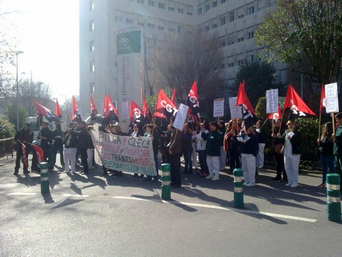 Concentración por la readmisión de las compañeras despedidas, Granada limpieza de hospitales