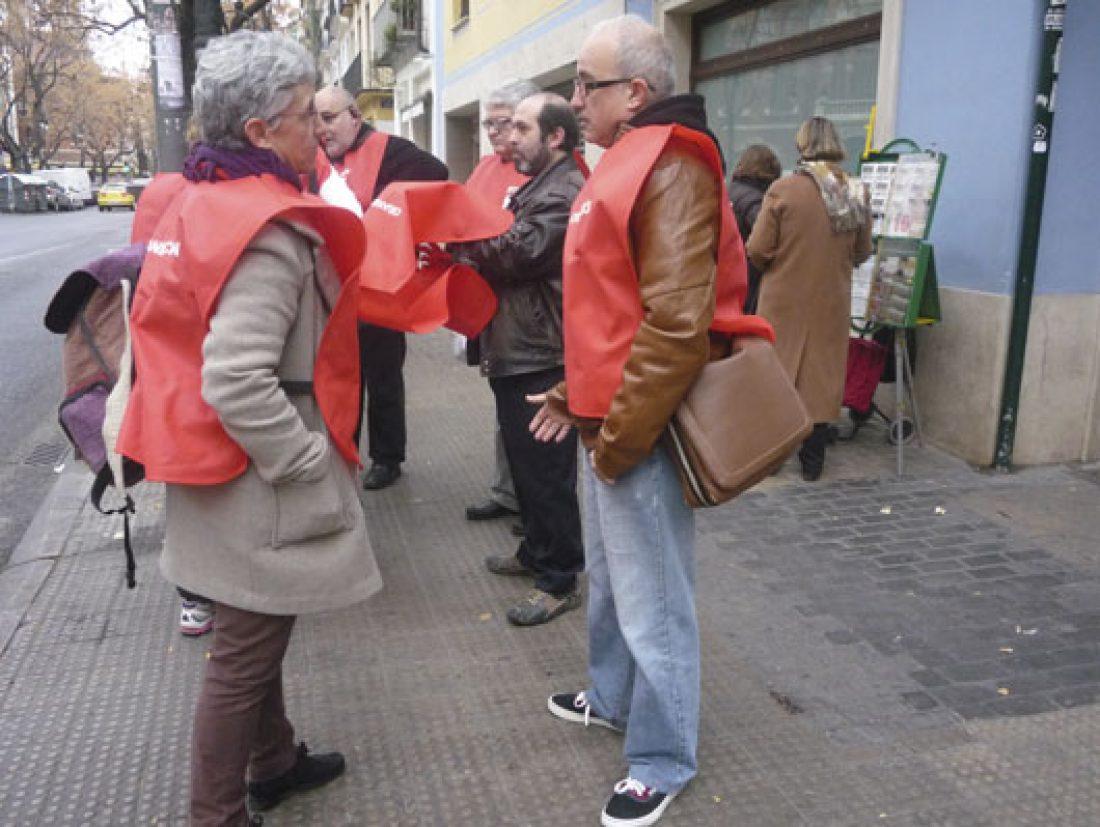Continúa la campaña de CGT en Alicante y Valencia contra la compra de productos de la ONCE a través de los Canales Físicos Complementarios
