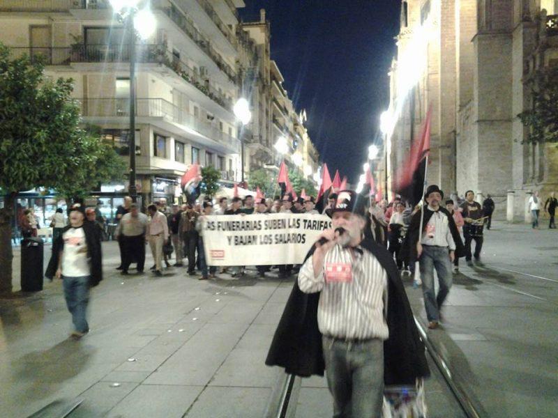 Cortejo funerario por las calles de Sevilla - Imagen-28