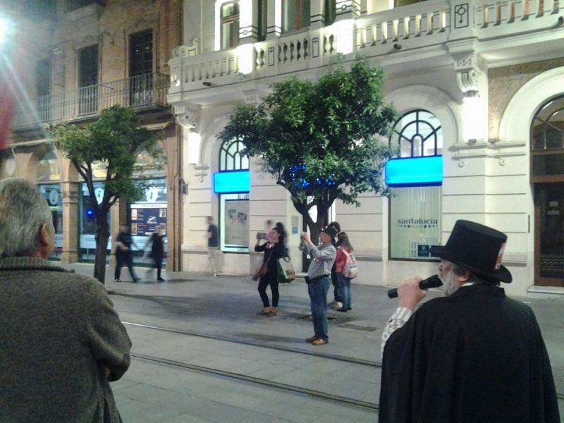Cortejo funerario por las calles de Sevilla - Imagen-2