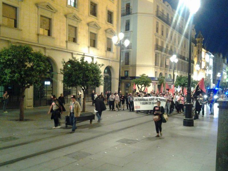 Cortejo funerario por las calles de Sevilla - Imagen-10