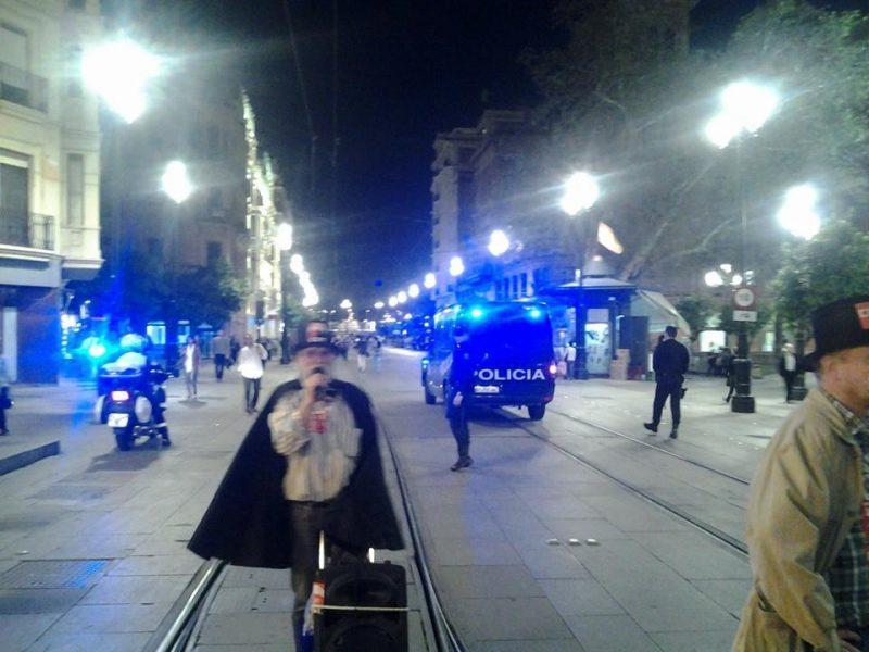Cortejo funerario por las calles de Sevilla - Imagen-12