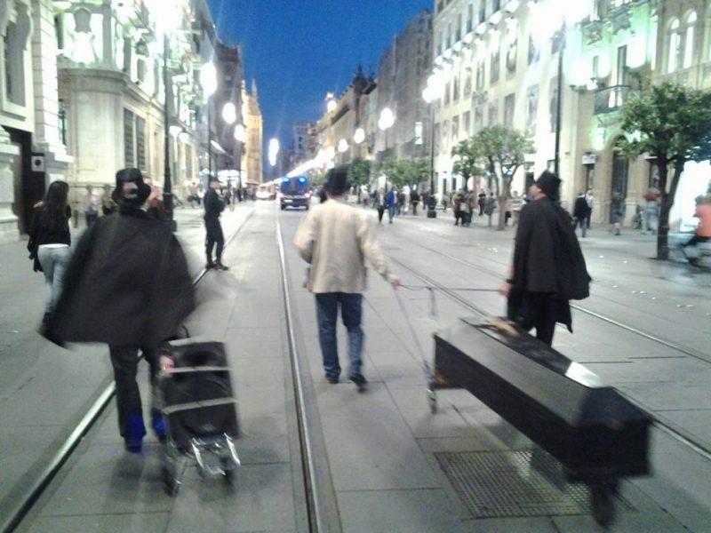 Cortejo funerario por las calles de Sevilla - Imagen-18