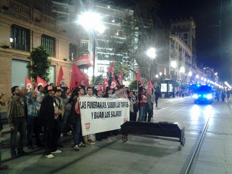 Cortejo funerario por las calles de Sevilla - Imagen-20