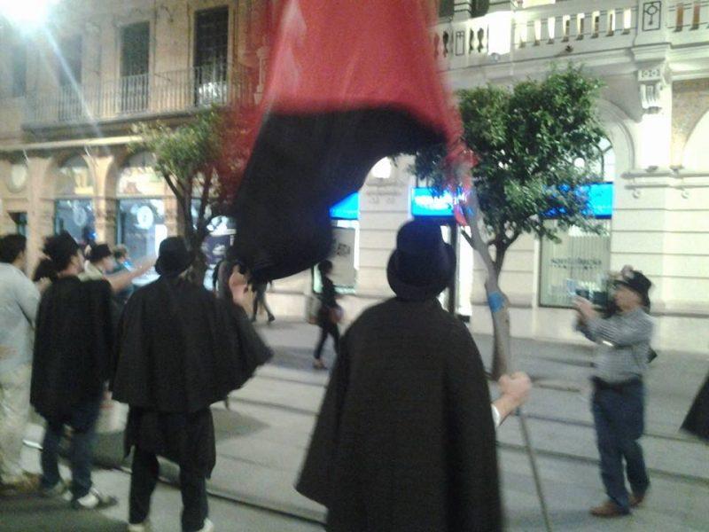 Cortejo funerario por las calles de Sevilla - Imagen-25