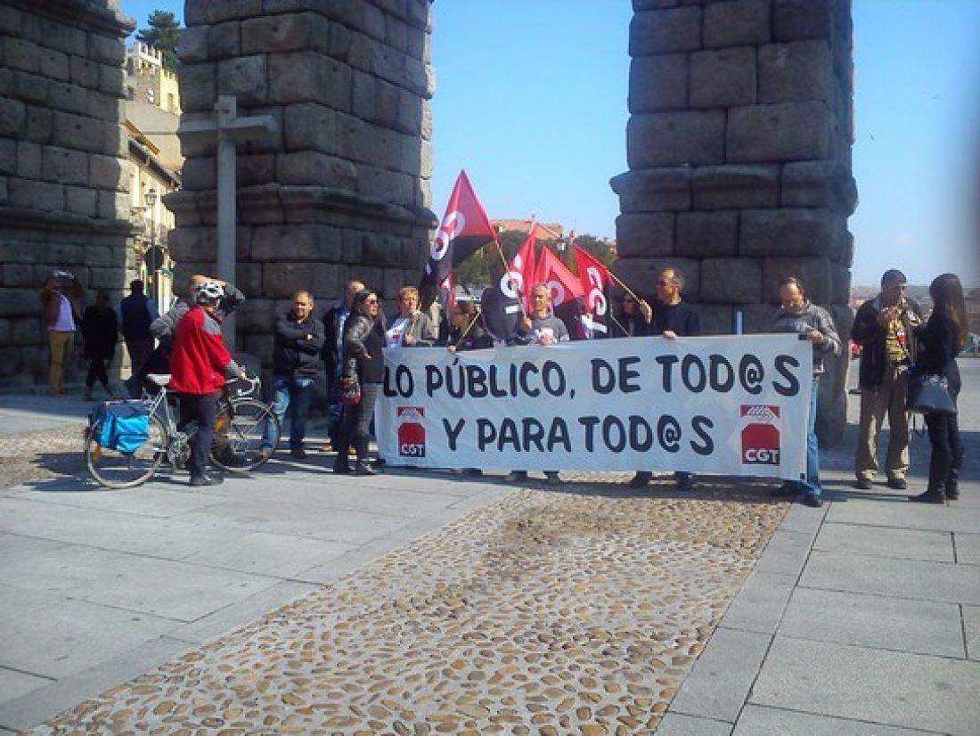 Concentración en Segovia contra la destrucción de lo Público