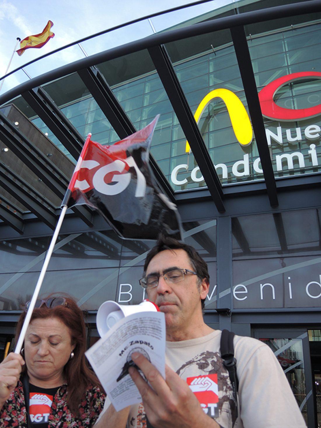Protesta contra el despido de nuestra compañera en McDonalds