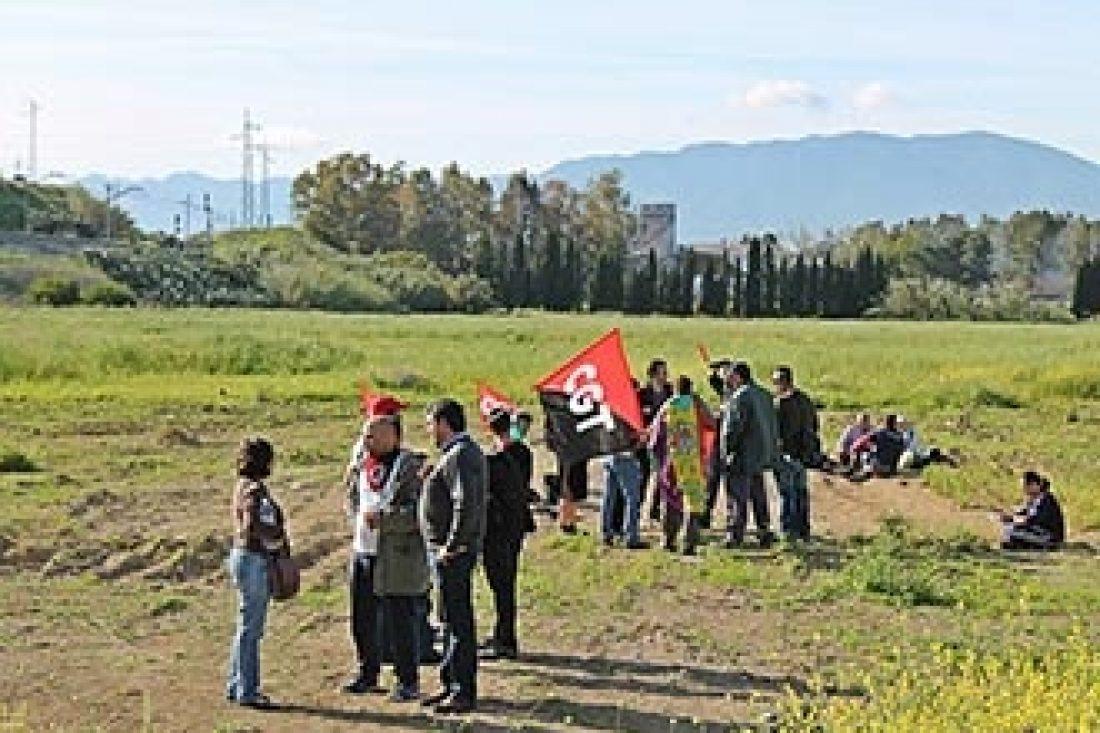 La Subdelegación del Gobierno blinda la población malagueña de Pizarra con cientos de Guardias civiles que impiden la marcha prevista a la finca ocupada por el Conde de Puerto Hermoso