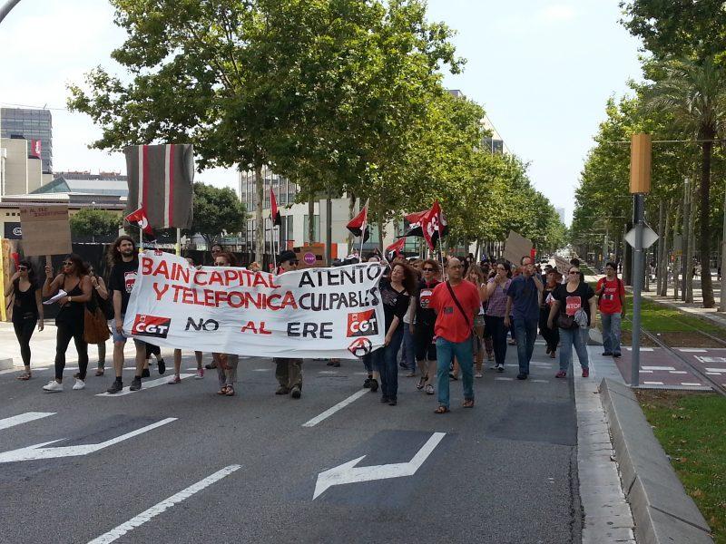 [Fotos]: Concentración en Barcelona contra el ERE de Atento - Imagen-1