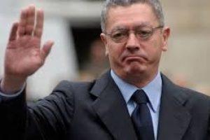Adiós a la reforma de la Ley del Aborto y al ministro Gallardón