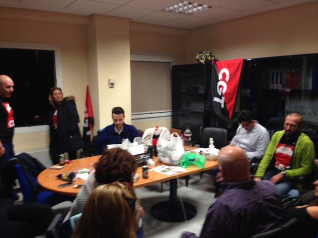 Rueda de prensa encerrados, en Asamblea Permanente, representantes de CGT en EPES 061 y MKPLAN21 (Gestores Emergencias).