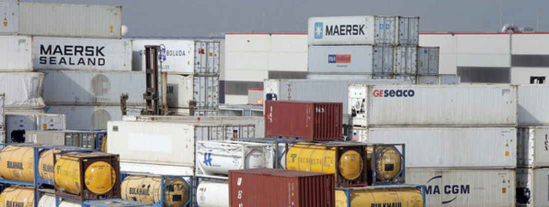 Hoy empieza la huelga en los remolcadores de Barcelona