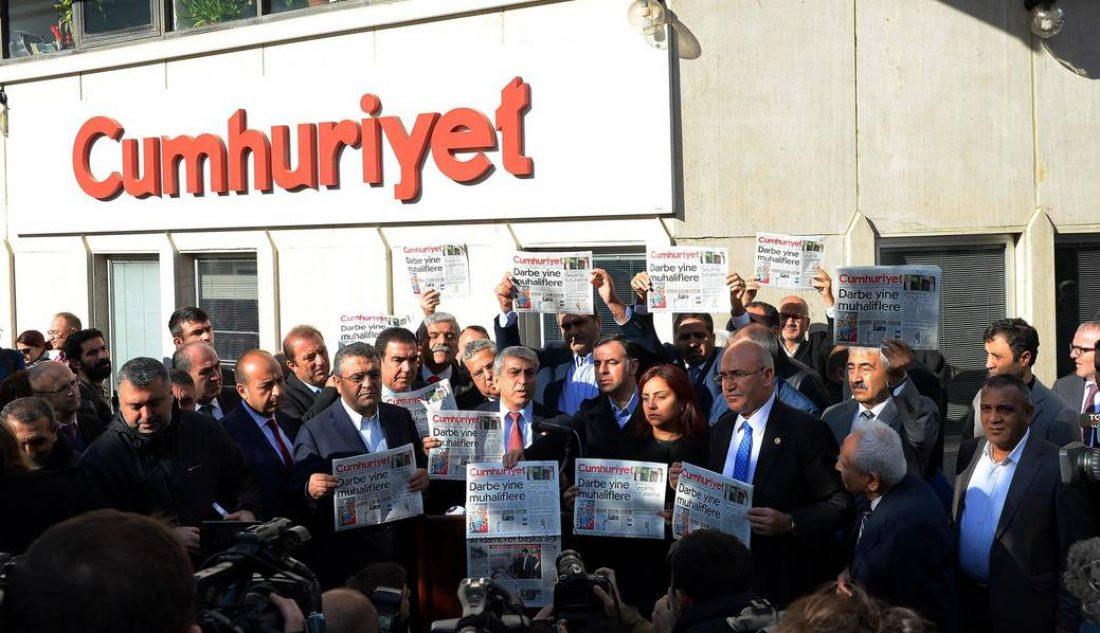 La policía turca detiene a dirigentes de organizaciones políticas y sociales de kurdas
