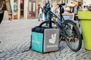CGT celebra que la justicia reconozca como falsos autónomos a los 'riders' de Deliveroo