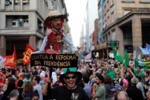 Contra la Reforma de las Pensiones en Brasil