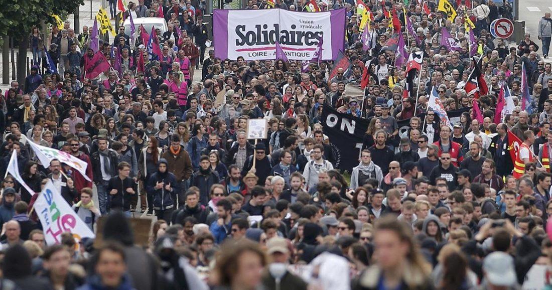 Solidaridad siempre con las personas que luchan por los Derechos Públicos para todos y todas